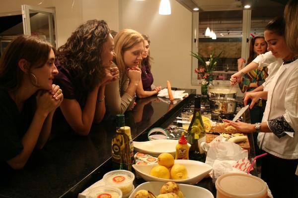 aula-cha-de-cozinha Aulas de Culinária